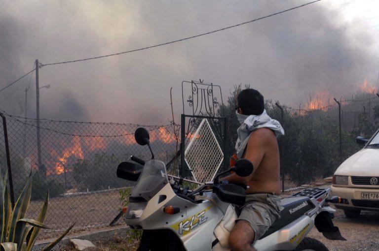 Γιάννενα: Φωτιά κατέστρεψε δεκάδες μοτοσικλέτες και έθεσε σε κίνδυνο ζωές | Newsit.gr