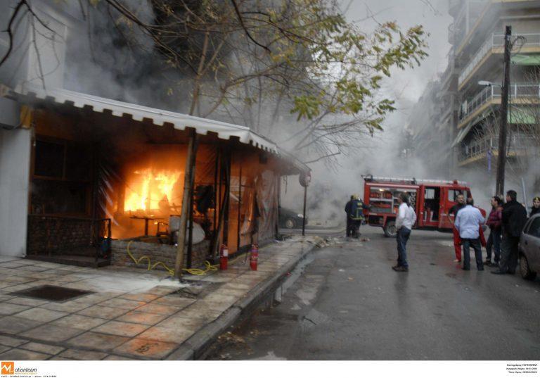 Ρέθυμνο: Καφετέρια τυλίχτηκε στις φλόγες | Newsit.gr