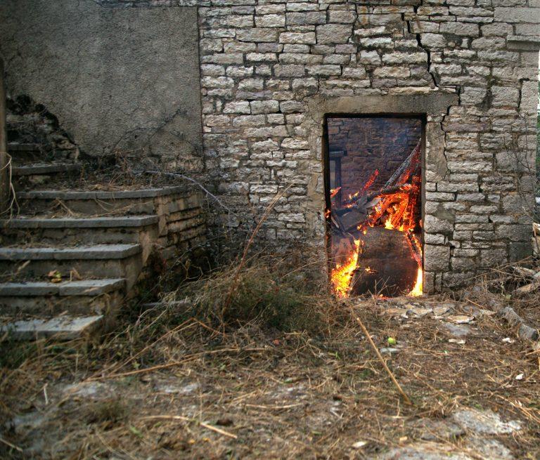 Κομοτηνή: Έσβησαν τη φωτιά και βρήκαν… πτώμα! | Newsit.gr