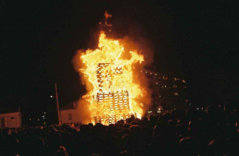 Φλώρινα: Προετοιμάζονται οι φωτιές των Χριστουγέννων | Newsit.gr