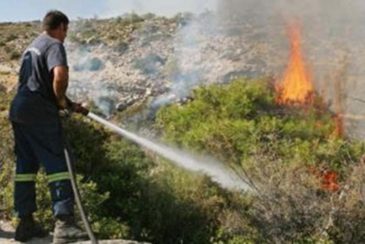 Πυρκαγιές σε Κρήτη και Κορινθία | Newsit.gr
