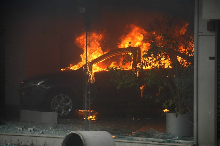 Περίεργη φωτιά σε διπλωματικό αυτοκίνητο | Newsit.gr