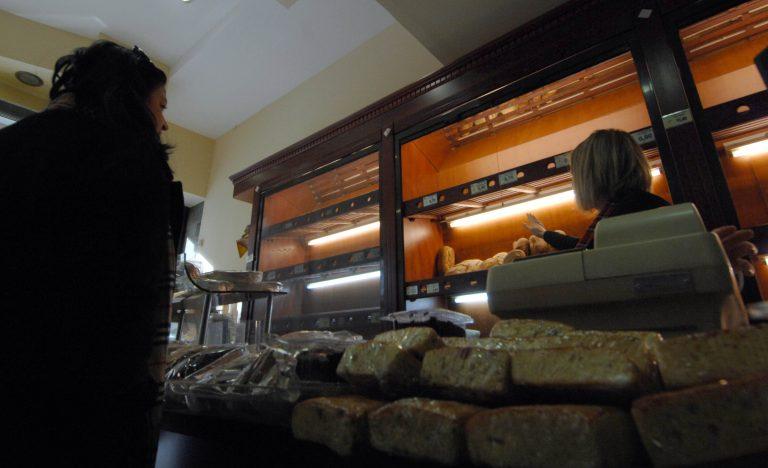 Ηλεία: Μπήκαν σε φούρνο με αυτοκίνητο για να κλέψουν!   Newsit.gr