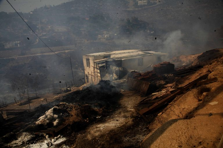 Απειλήθηκαν σπίτια από φωτιά στο Φραγκοκάστελο | Newsit.gr