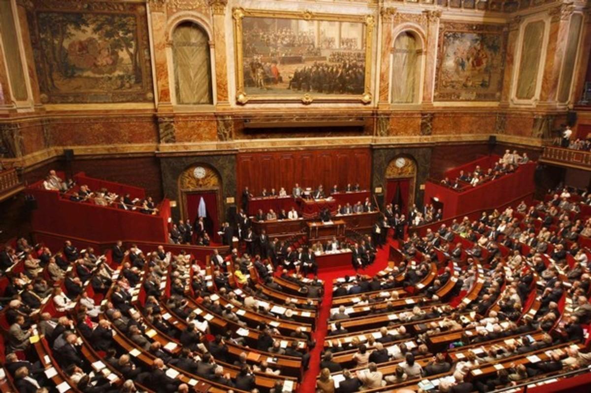 Η γαλλική βουλή είπε ΝΑΙ στο πακέτο βοήθειας   Newsit.gr