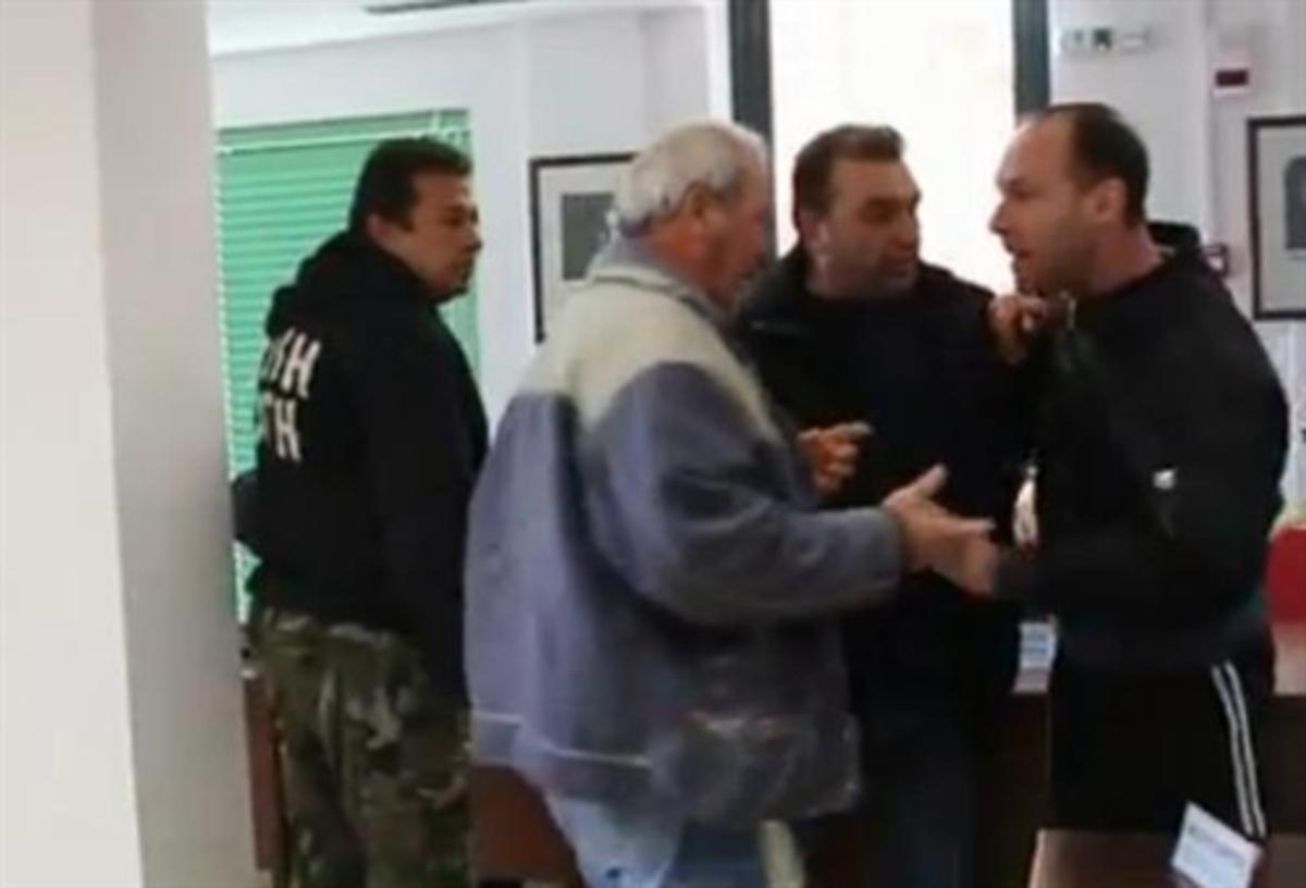 Εύβοια: Το »έλα να δεις» στο δημοτικό συμβούλιο με τη Χρυσή Αυγή – Βίντεο!   Newsit.gr