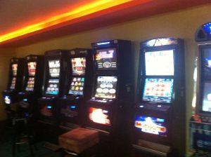 """Και το καζίνο της Πάρνηθας στο ΣτΕ για τα """"φρουτάκια"""""""