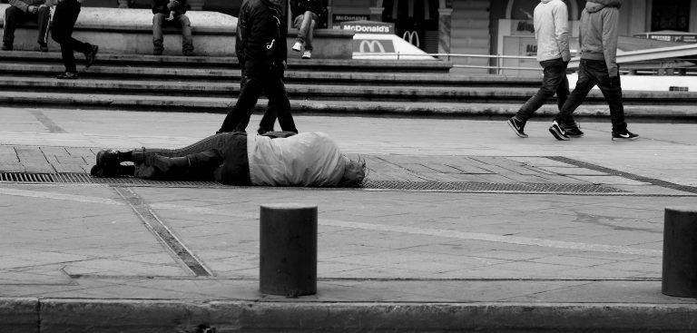 Κάτω από το όριο της φτώχειας το 16% των Ελληνοκυπρίων | Newsit.gr