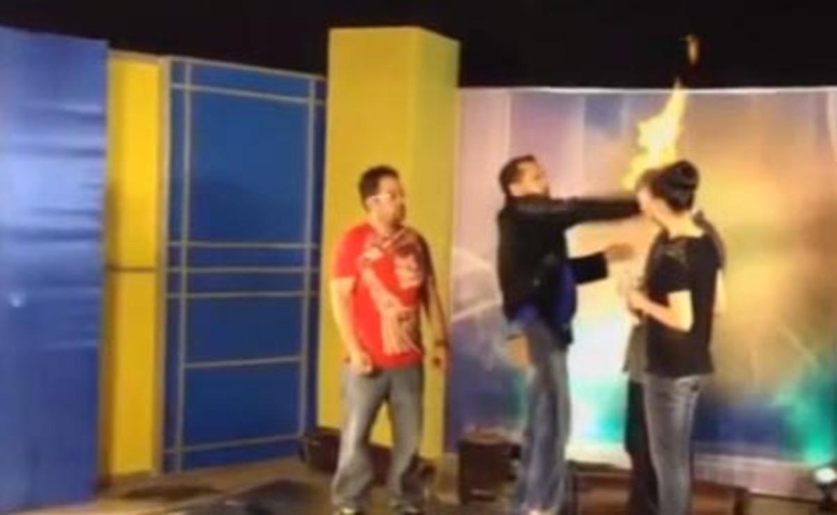 Πήρε φωτιά το κεφάλι του στον «αέρα»! – VIDEO | Newsit.gr