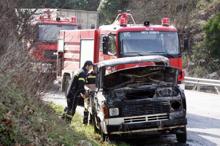 Ηράκλειο: Την ώρα που οδηγούσε, είδε τις φλόγες να βγαίνουν   Newsit.gr