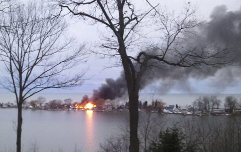 ΗΠΑ: Δύο πυροσβέστες δέχτηκαν πυροβολισμούς και σκοτώθηκαν, ενώ προσπαθούσαν να σβήσουν πυρκαγιά | Newsit.gr
