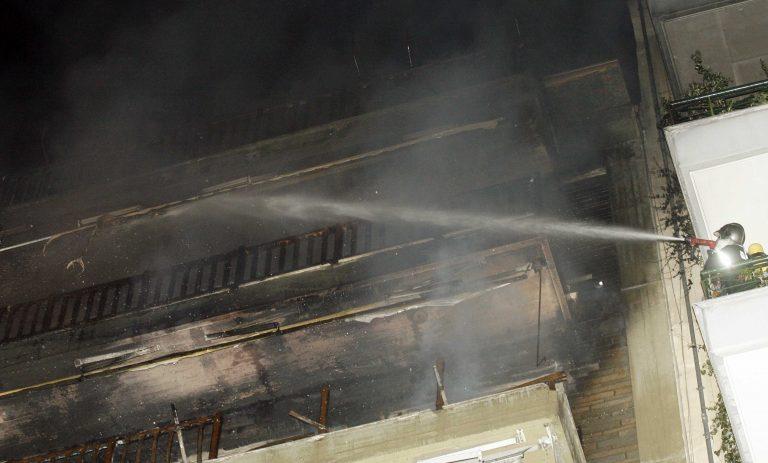 Φωτιά σε πολυκατοικία στα Χανιά   Newsit.gr