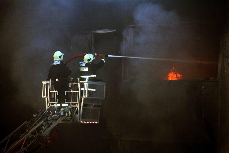 Χανιά: Μεγάλη φωτιά στην Εβραϊκή συναγωγή | Newsit.gr
