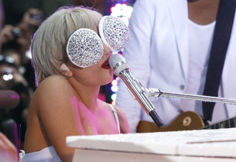 Τρέμε Lady Gaga… έρχονται οι καλόγριες! | Newsit.gr