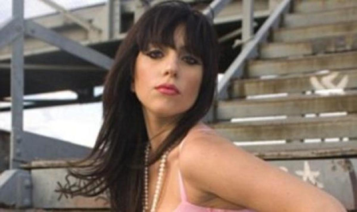Οι πόζες της Lady Gaga με τα ροζ, πριν γίνει διάσημη! | Newsit.gr