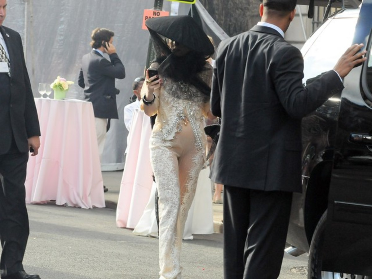 Έτσι εμφανίστηκε η Lady Gaga στην αποφοίτηση της αδερφής της! | Newsit.gr