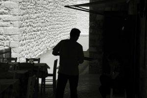 """""""Γαλέρα"""" η… βαριά βιομηχανία της χώρας – Όργια σε τουρισμό και επισιτισμό! – Εργαζόμενοι δουλεύουν 12ωρα και ασφαλίζονται για 2 ώρες"""