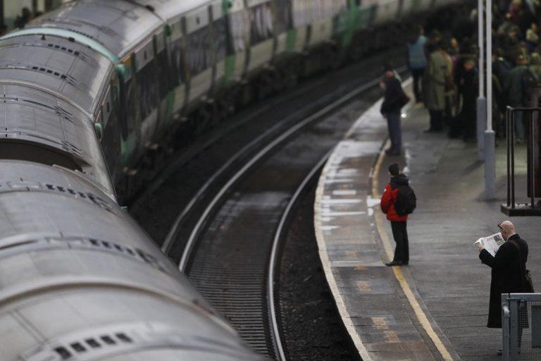 Συμβαίνει και στο εξωτερικό! Παγιδευμένοι σε τρένο λόγω κακοκαιρίας επιβάτες στη Γαλλία | Newsit.gr