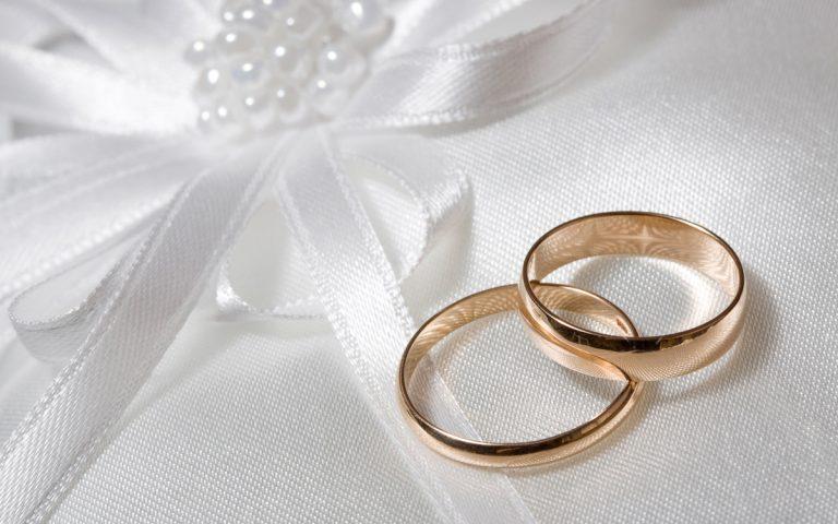 Παντρεύτηκε πασίγνωστη Ελληνίδα τραγουδίστρια και δεν το έμαθε κανείς! | Newsit.gr