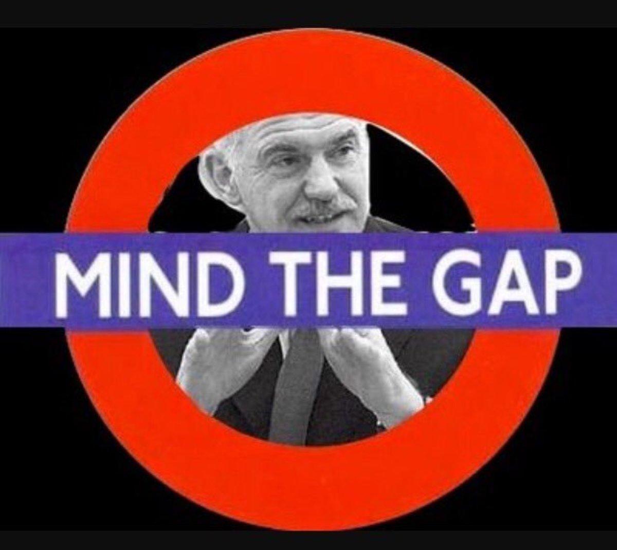 #GAP_is_back και το twitter… «πέφτει»!   Newsit.gr
