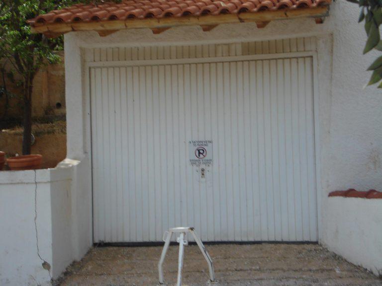 Χανιά: Πυροβόλησαν το… γκαράζ! | Newsit.gr