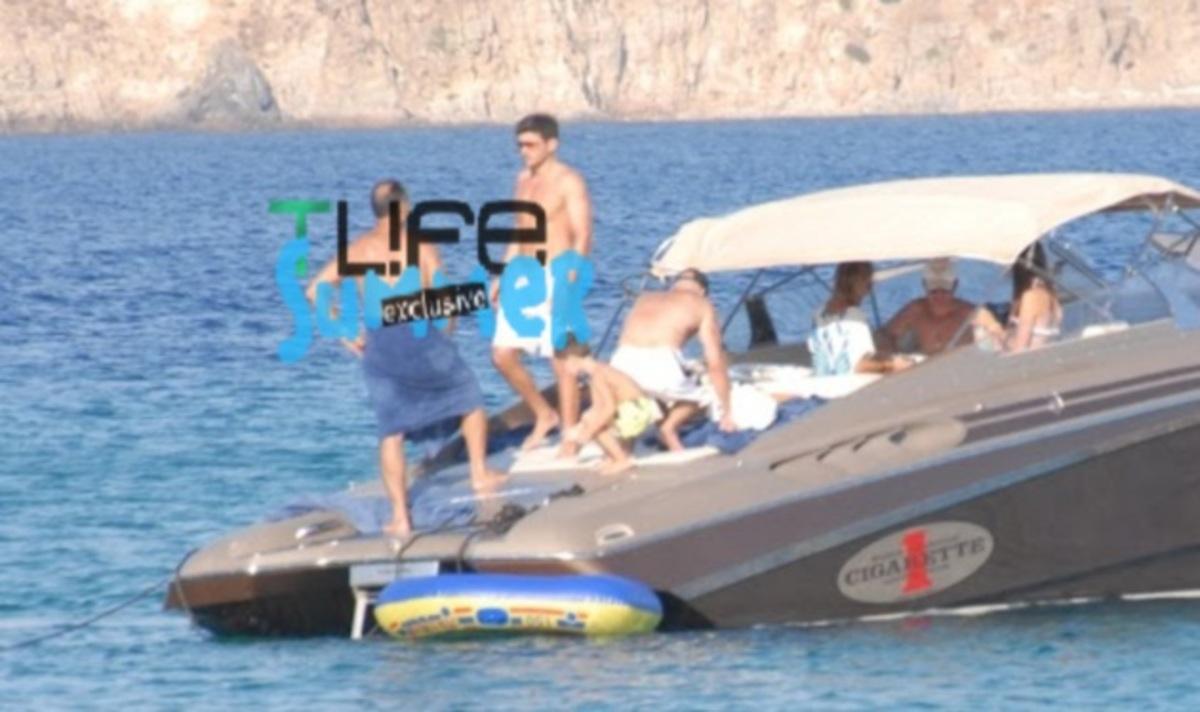 Μ. Γαβράς: Από την Αμερική, στα ελληνικά νησιά για διακοπές! Φωτογραφίες και video   Newsit.gr