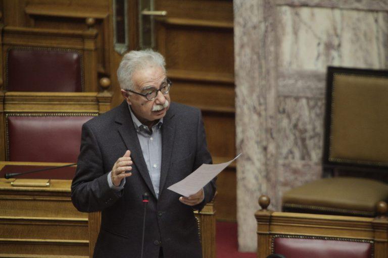 Οργή Γαβρόγλου: Οι δήμοι παίρνουν τα λεφτά αλλά δεν δέχονται προσφυγόπουλα στα σχολεία | Newsit.gr