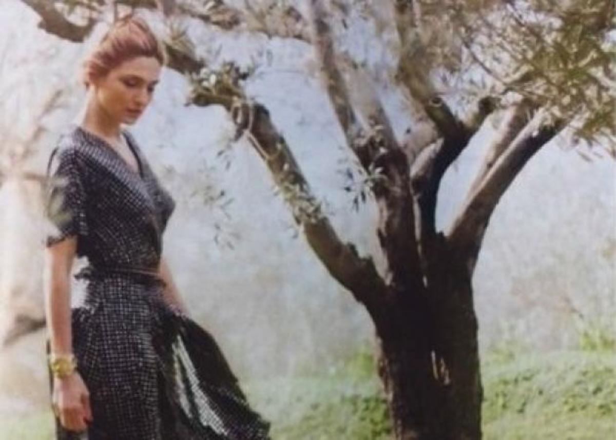 Ζιλί Γκαγιέ: Ινκόγκνιτο στην Αίγινα η αγαπημένη του Ολάντ! [pics] | Newsit.gr