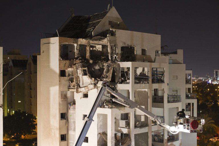 Νύχτα-εφιάλτης στη Γάζα – «Χτυπούν» δημοσιογράφους και άμαχους | Newsit.gr