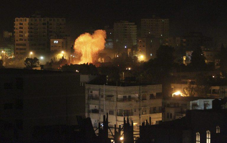 Νεκροί 8 Παλαστίνιοι απο το πρωί  – Η ισραηλινή αεροπορία συνεχίζει να σφυροκοπά στη Λωρίδα της Γάζας | Newsit.gr