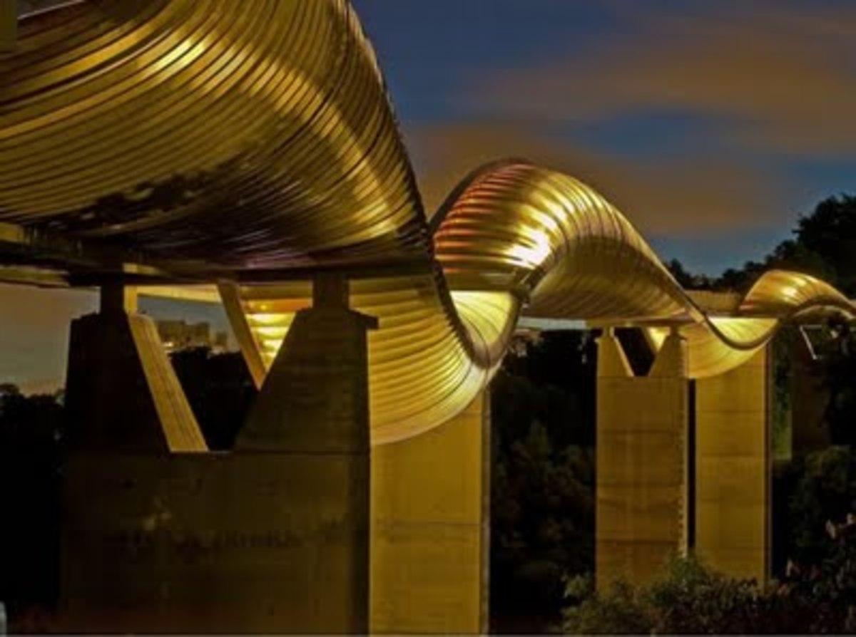 Τώρα ο Τσακ Νόρις και σε πεζογέφυρα | Newsit.gr
