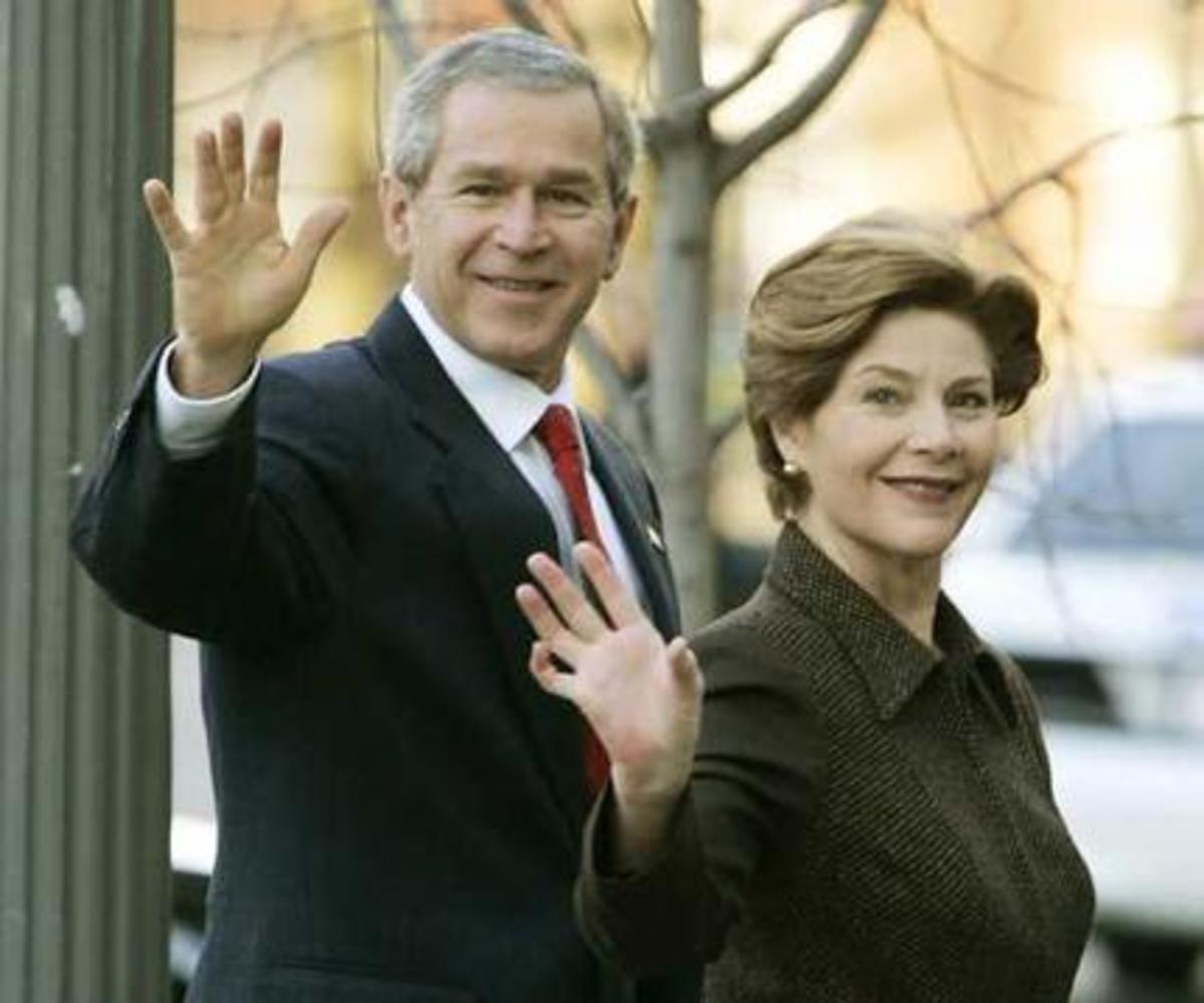 Δηλητηρίαση είχε πάθει το ζεύγος Μπους στην σύνοδο του G8 | Newsit.gr