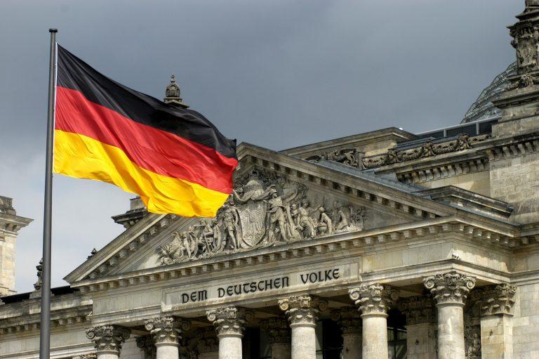 Τελικά και οι Γερμανοί γίνονται πιο φτωχοί! | Newsit.gr