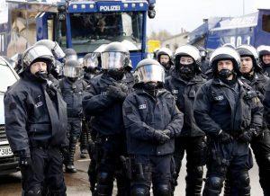 Συνελήφθησαν 3 τρομοκράτες – Ήθελαν να πλημμυρίσουν με αίμα την Γερμανία – Στόχος η Μέρκελ