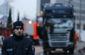 Επίθεση στο Βερολίνο: Αφέθηκε ο ύποπτος για το μακελειό – Κυκλοφορεί ελεύθερος ο δράστης