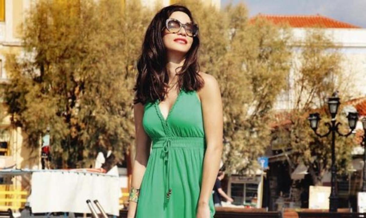 Κ. Γερονικολού: Ταξίδεψε στην Αίγινα σε ρόλο μοντέλου! Φωτογραφίες | Newsit.gr