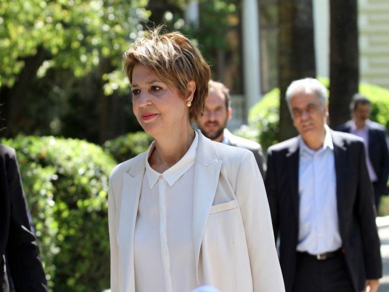 ΠΟΕΔΗΝ διαψεύδει Γεροβασίλη: Από ΕΣΠΑ οι προσλήψεις, όχι από τα λεφτά των τηλεοπτικών αδειών | Newsit.gr