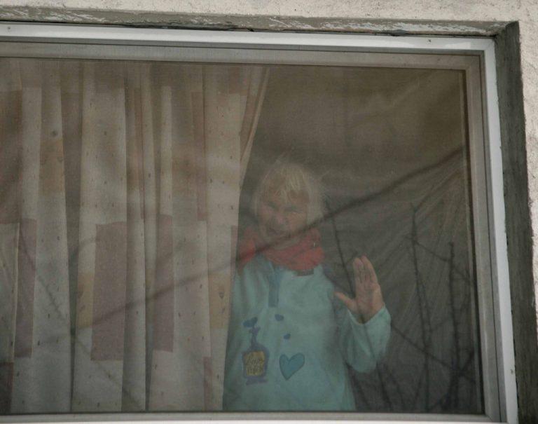Άρτα: Η οικιακή βοηθός την έδεσε χειροπόδαρα και της άρπαξε 7.000 ευρώ! | Newsit.gr