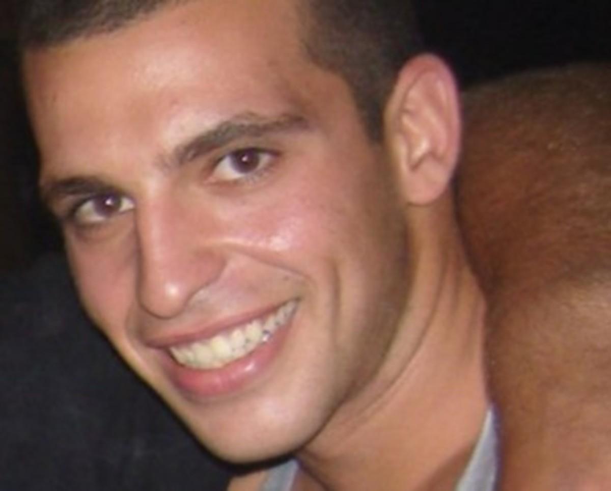 Ηράκλειο: Αλητεία δίχως όρια-Βεβήλωσαν τη μνήμη του Γ.Ρουσάκη! | Newsit.gr