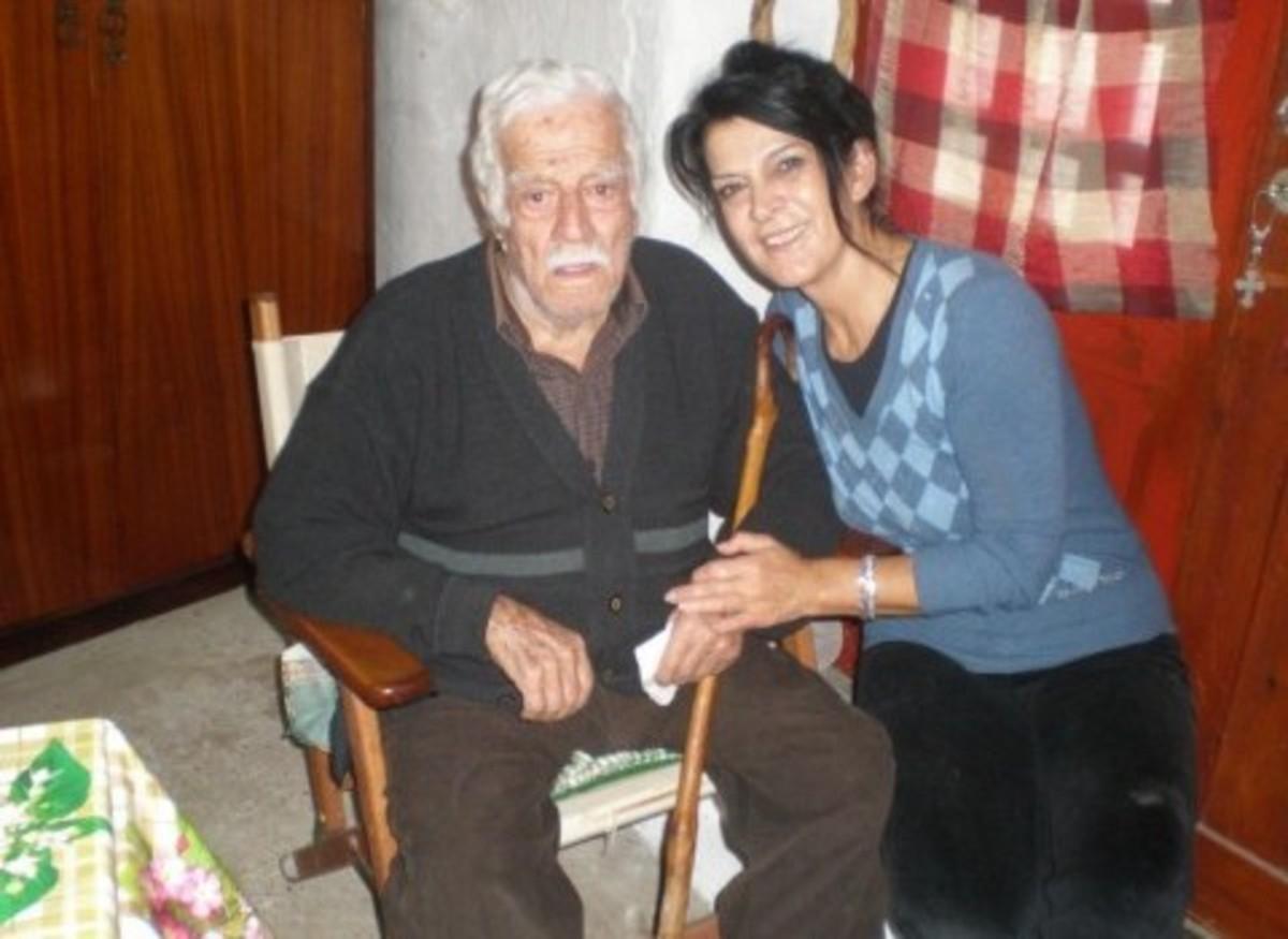 Κρήτη: Το μυστικό της μακροζωϊας από τον παππού που έκλεισε τα 105 χρόνια! | Newsit.gr