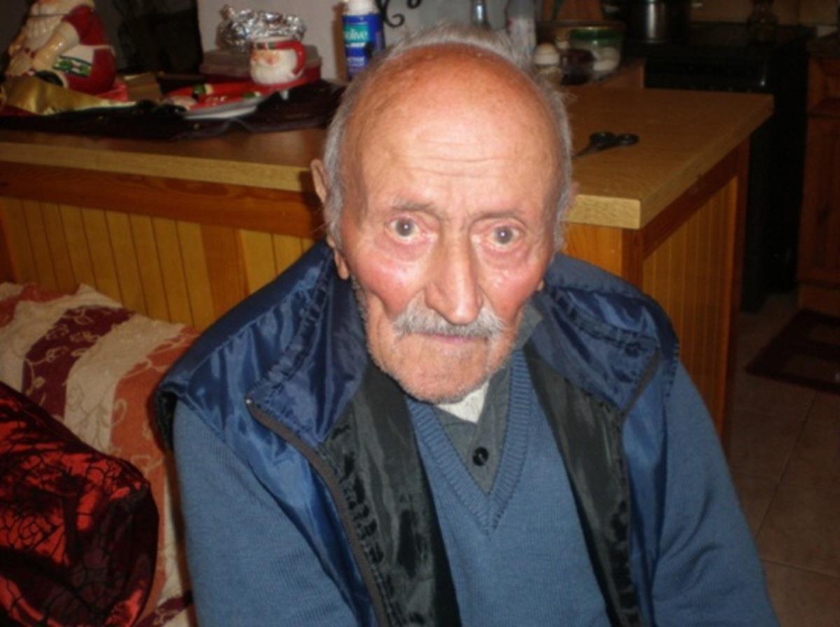 Κρήτη: Ο 97χρονος που βουρκώνει ακόμα για τον »γίγαντα» που τον μεγάλωσε! | Newsit.gr