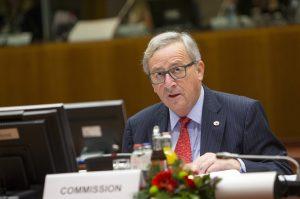 «Μήνυμα» Γιούνκερ σε Πουτζδεμόν: Όλη η Ευρώπη στηρίζει τον Ραχόι