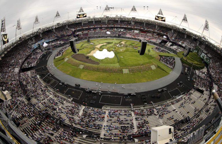 Όλο το Ολυμπιακό Στάδιο του Λονδίνου ένα μικρό χωριό – ΦΩΤΟ | Newsit.gr