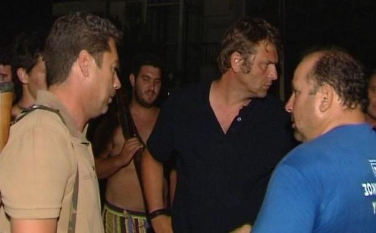 Ο Απόστολος Γκλέτσος αποκαλύπτει στο NewsIt: «Με απειλεί κύκλωμα κακοποιών της Στυλίδας» – video   Newsit.gr