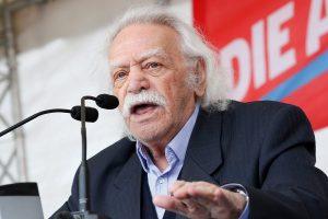 Ανοιχτή επιστολή Γλέζου στους 300 της Βουλής: Σπάστε τα δεσμά των κομματικών παρωπίδων