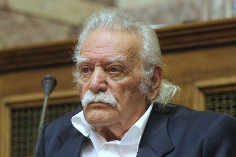 Συγκλονιστικός Γλέζος μέσα από την αίθουσα ΚΥΣΕΑ | Newsit.gr