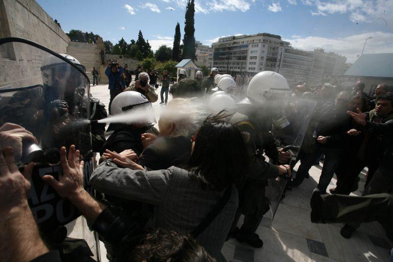 Ζήτησαν συγγνώμη από τον Μανώλη Γλέζο | Newsit.gr