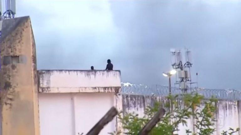 Μάχη συμμοριών με 30 νεκρούς σε φυλακή της Βραζιλίας | Newsit.gr