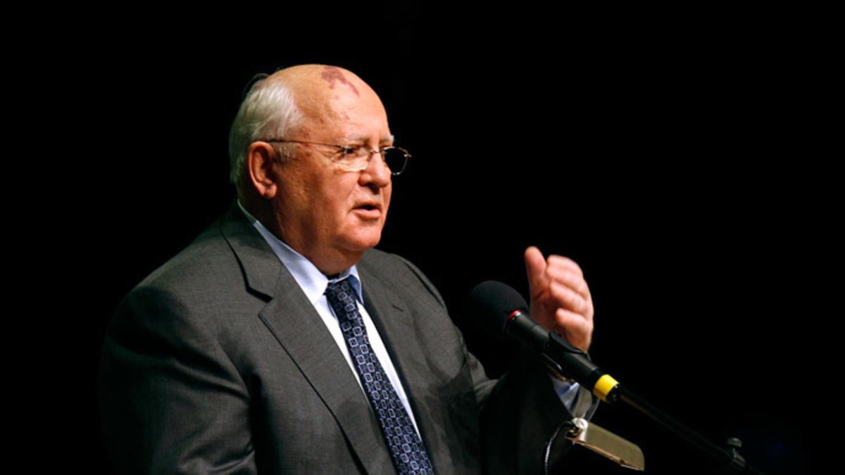 """Ο Γκορμπατσόφ καλεί Βερολίνο και Μόσχα να """"δώσουν τα χέρια"""""""