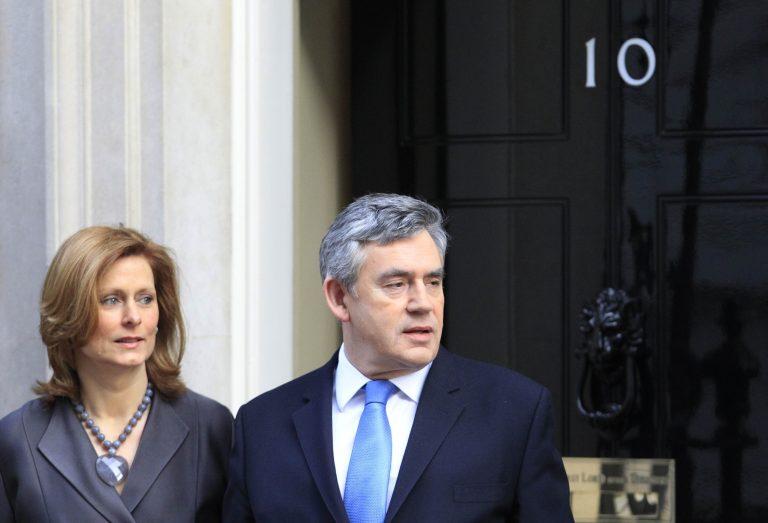 Σωσίβιο του βρετανού πρωθυπουργού στη Τζίπι Λίβνι | Newsit.gr